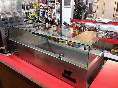 Refrigerated bench top display cabinet