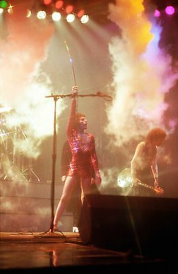 QUEEN in concert 1978 'News of the World' tour! 40 Rare PHOTOS! Wembley. not cd