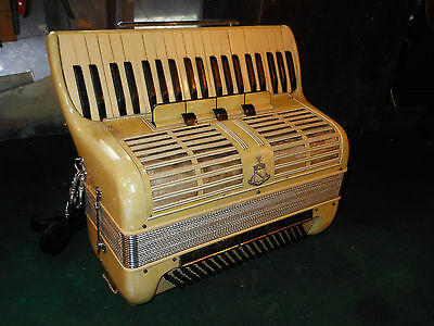 Vintage Noble Accordion Nobility 4 treble changes 3 bass changes Mother of pearl
