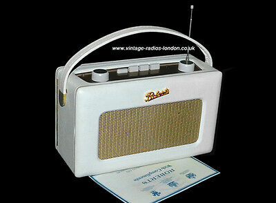 Beautiful White Roberts R250 Revival  LW/MW/FM Transistor Radio