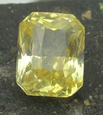 3.06 cts - Yellow Sapphire Unheated With Video!