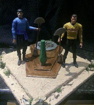 Custom made Star Trek Fight to the Death diorama