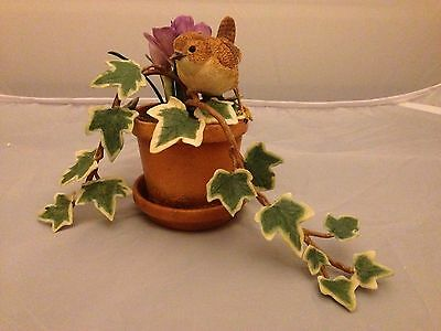 BNIB New Boxed Expressions WREN WITH IVY & CROCUS #05175 Country Artists