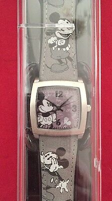 Micky Mouse Disney Watch Black White Grey Men Women's Park Exclusive