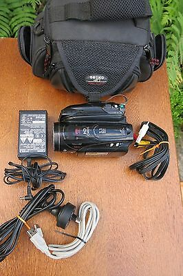Canon HV40 HD Mini DV Tape Video Camera 1080 High Definition Ex Cond