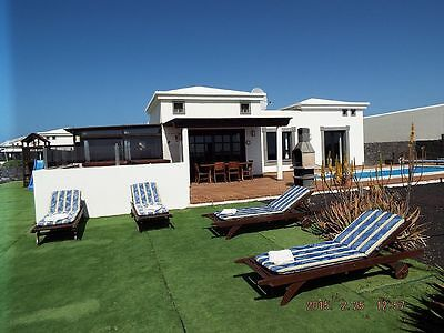 Villa In Lanzarote Playa Blanca Hot Tub Wifi Private Pool Pool Table English Tv