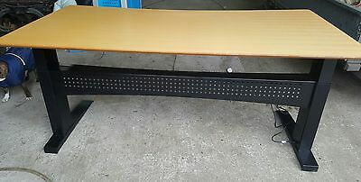 ConSet electric desk
