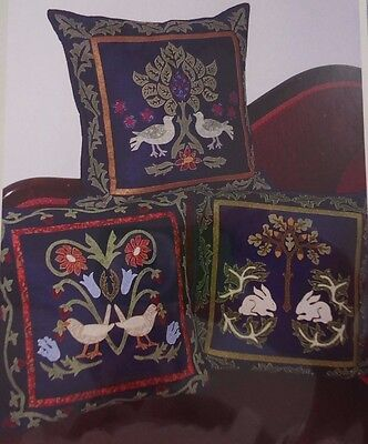 WILLIAM MORRIS TRIO OF CUSHIONS - applique CUSHION PATTERN - Michele Hill