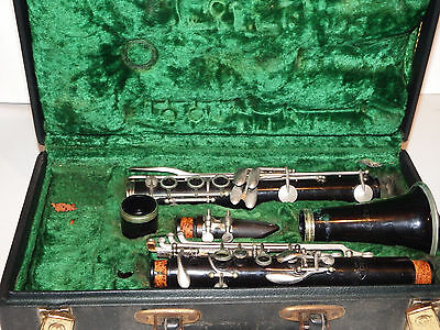 Vito Clarinet With Hard Carry Case Made In Usa