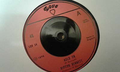 "Ripton Bennett , Hold On , Love Is The Answer , 7 "" Love Record Label"