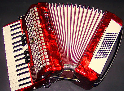 Sale !  Top !! Piano Accordion 72 Bass  With Case And Strasp  From  Musicschool