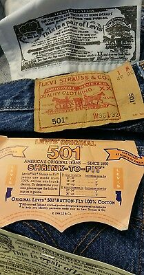 Levi Strauss 501 excelentes jeans azules oscuro W36 L32 (A03)