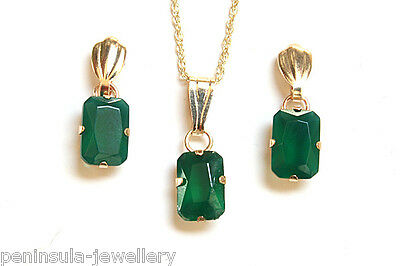 9ct Gold Small Green Agate Pendant and Earring Set Gift Boxed Made in UK