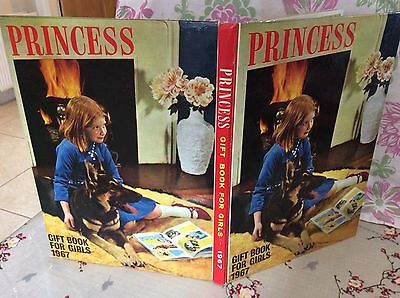 Princess Gift Book For Girls 1967 Annual