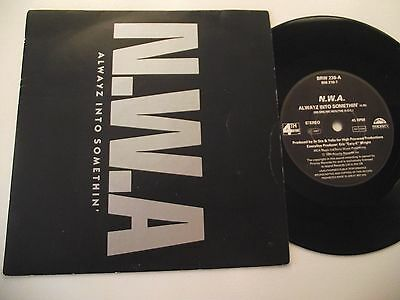 N.W.A ALWAYZ INTO SOMETHIN'  b/w EXPRESS YOURSELF (RARE  7''VINYL)