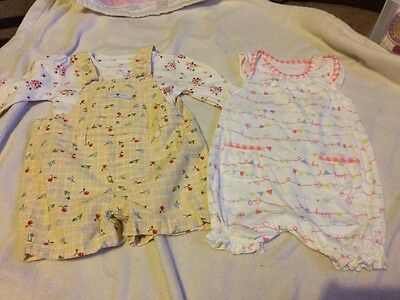 A Set Of 2 Baby Girls Outfits 0-3 Months