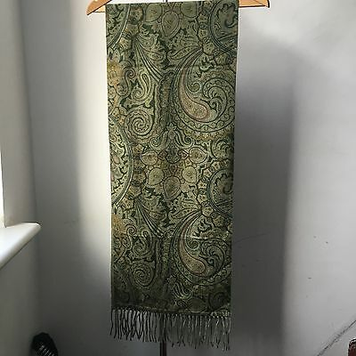 Very Cool ETRO 100% Csahmere Made in Italy Scarf