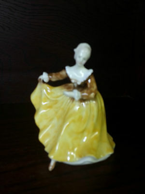 Royal Doulton KIRSTY FIGURINE Excellent Condition FREE P&P