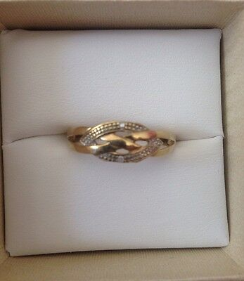 Ladies 9ct Solid Gold Ring
