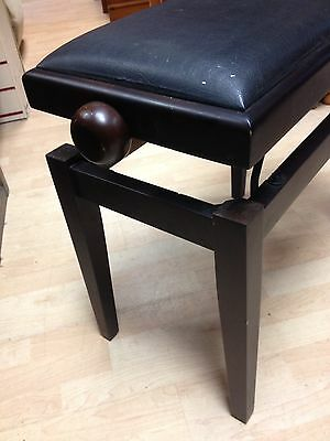 Ajustable Height Piano Stool