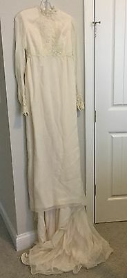 Vintage 1960's Ivory Traditional Wedding Dress W/ Lace & Small Bead Pearls; SZ 4