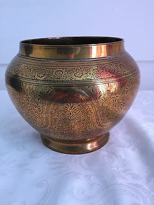 """Brass Open Vase Planter Holder Collectable Heavy 1.3kg 14cms (5 1/2"""") tall"""