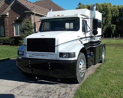 International Crew Automatic Toterhome Toter Western Hauler sport chassis