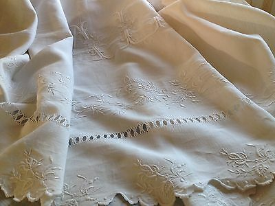 "Antique French Linen Sheet - Scalloped Sheet - Rose Buds - Large Monogram ""al"""