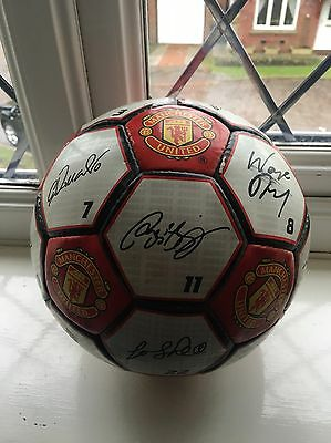 EXTREMELY RARE: Manchester United Squad Signed Ball 2003