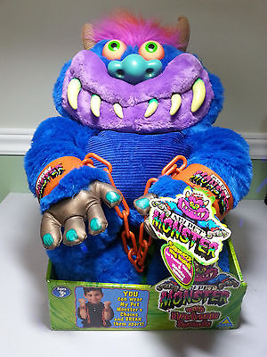 2001 Toymax My Pet Monster - Complete with handcuffs