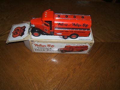 "PHILLIPS ""66"" VINTAGE TRUCK BANK 1993 Collector Series No. 1"