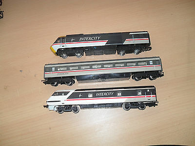 OO GAUGE HORNBY SWALLOW DUMMY TRAINS & COACH (Spares/Repairs)