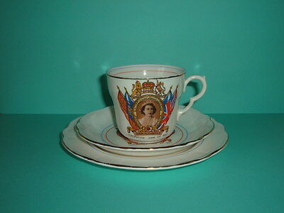Queen Elizabeth Ii 1953 Coronation Trio In Very Good Condition