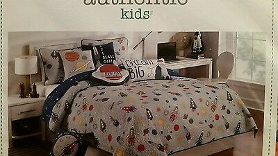 Authentic Kids 2Pc Twin Quilt Set Planets Rockets Space Stars Solar System Blue