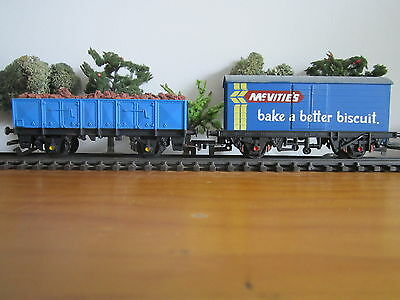 Tri-ang/Hornby 2x Goods Wagons Lot 5