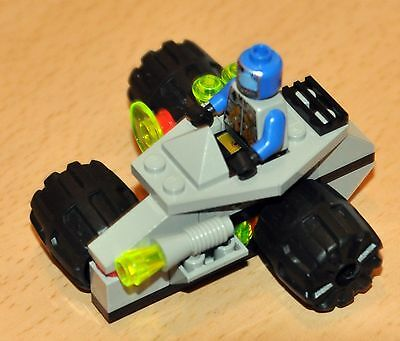 Lego 6818 Space Ufo Cyborg Scout, Instructions, 100% Complete