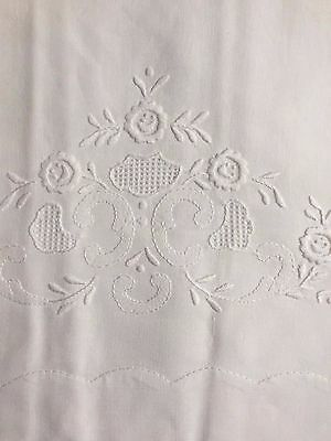 Madeira White Cotton Embroidered Pillowcases (set of 2) Boutross: PC6114W