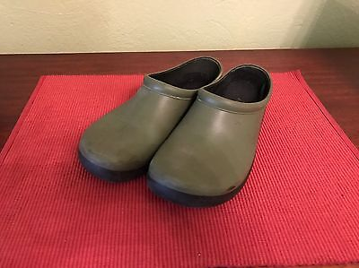 Turf King Sloggers Green Size 9 Perfect For Outside Activities