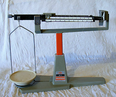 Vintage Ohaus scientific scales 0 to 311 grams made in USA excellent cond