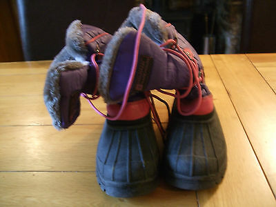 Girls/ladies Snow boots size 2