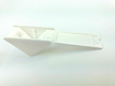 pack of 4 White plastic corner angle brackets for construction//repair CEN027