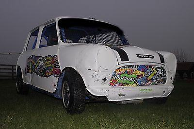Off Road Mini White With Blue Roll Cage & Union Jack Roof