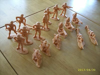 TIMPO PLASTIC TOY SOLDIERS WW2 BRITISH 8TH ARMY,17 figures ,Not Airfix