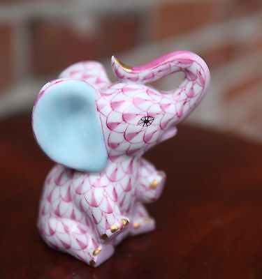 HEREND - Baby Elephant (legs up) PINK