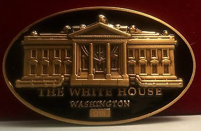 challenge coin  WHITE HOUSE  DONALD TRUMP 45TH PRESIDENT oval numbered  # 073