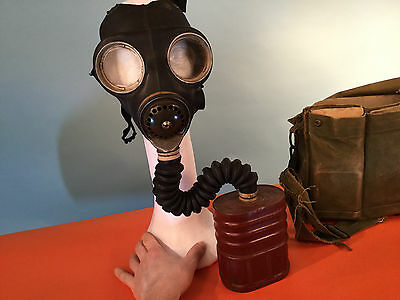 WWII Briish Gas Mask and Carrier Bag