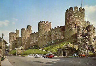 postcard Wales   Conwy Castle  the North Front unposted