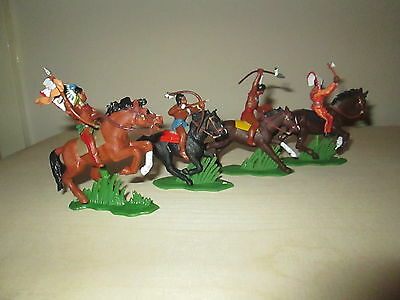 Dsg/britains Herald Mounted Indians - New - Superb 1:32 Scale
