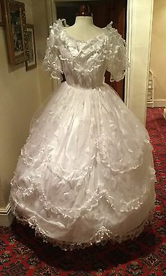 VINTAGE 1980's VICTORIAN STYLE WHITE FROU FROU LACE WEDDING DRESS BY CUPID