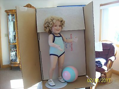 """Shirley Temple """"Bathing Beauty"""" Porcelain Danbury Mint Doll Toddler Doll Collect"""